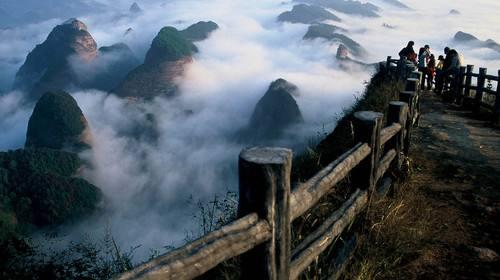 Zijiang-Bajiaozhai-Liangshan Danxia Landform: Qingfeng Chibi Danxia Soul (Guangxi Hunan)