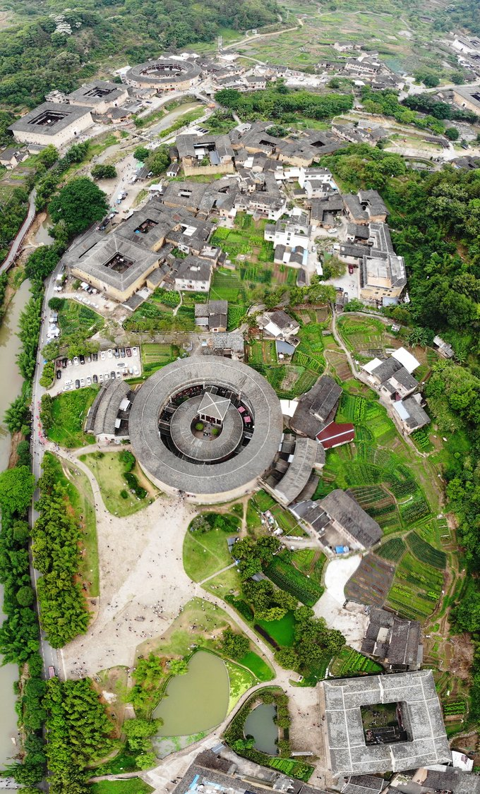 """Zhencheng Building-Tulou with """"ears"""""""
